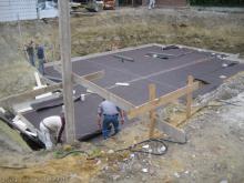 Vorbereitungen der Kellerbodenplatte für den Beton Vorbereitung der Kellerbodenplatte [28.05.2009] Keller