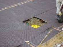 Vorbereitungen der Kellerbodenplatte für den Beton Ausschachtung für die Abwasserpumpe [28.05.2009] Keller