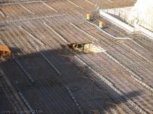 Stahlarmierung für ein solides Fundament Ausschachtung für die Abwasserpumpe [29.05.2009] Keller