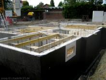 Baustützen für die Kellerdecke  [09.06.2009] Keller