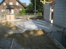Die Bodenplatte für die Garage ist fertig Garagenbodenplatte [23.06.2009] Garage