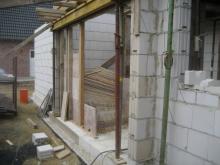 Die Fertigteile der Erdgeschossdecke liegen bereits Eingangsbereich [28.06.2009] Erdgeschoss