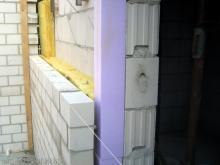 Die Garagenwände sind fast fertig Isolierung zwischen Haus und Garage [03.07.2009] Garage