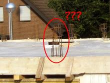 Stahlbewehrungen zwischen den Mauerstücken Was ist das? [07.07.2009] Obergeschoss