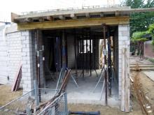 Der erste Teil der Betondecke ist drauf  [08.07.2009] Garage