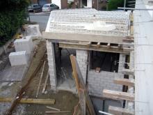 Der erste Teil der Betondecke ist drauf Garage von oben [08.07.2009] Garage