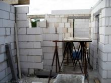 Die Mauern im Obergeschoss sind fast fertig Blick auf das Badezimmer [14.07.2009] Obergeschoss