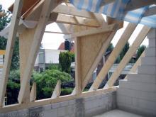 Die große Dachgaube über dem Eingangsbereich Blick auf die Gaube am Schlafzimmer [23.07.2009] Dachstuhl
