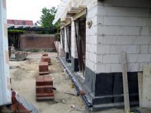 Die Vormauerziegel liegen bereit, der Verblender kann gemauert werden!  [30.07.2009] Verblender