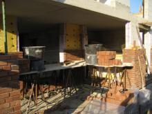 Die Maurerarbeiten beim Verblenden gehen in die zweite Runde Die Terrasse [07.08.2009] Verblender