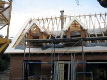 Die Dachblenden und Sichtschalungen wurden angebracht  [27.08.2009] Dachstuhl