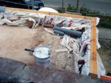 Die Garagendecke wird mit Folie abgedichtet  [11.09.2009] Garage