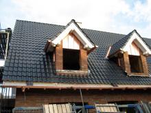Nun sind auch die Dachrinnen da  [11.09.2009] Dachstuhl