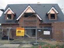 Das Dach ist komplett fertig  [16.09.2009] Dachstuhl
