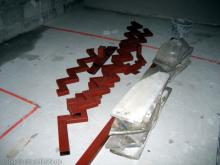 Die ersten Elemente der Treppenanlage wurden angeliefert  [07.10.2009] Treppen