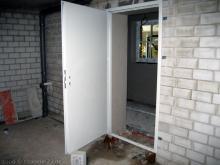 Die Tür zwischen Garage und Hauswirtschaftsraum  [08.10.2009] Garage