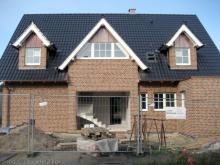 Das komplette Haus ist nun verfugt  [19.10.2009] Verblender