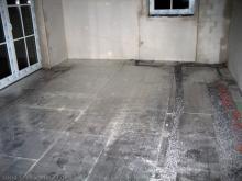Die Estrichleger bereiten die Böden vor Isolierung im Wohnzimmer [20.10.2009] Fußboden