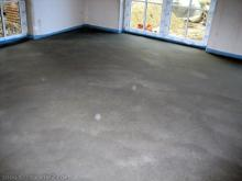 Erste Schritte auf dem frischen Estrich  [25.10.2009] Fußboden
