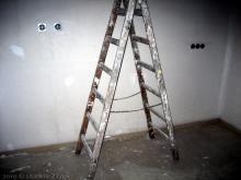 Nun sind die Maler ins Haus eingezogen  [07.01.2010] Malerarbeiten