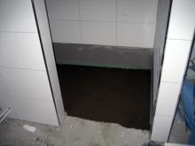 Die Badewanne ist nun verfliest und die Dusche vorbereitet  [19.01.2010] Fliesen