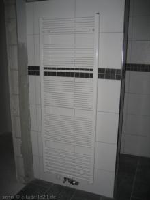 Sanitäranlagen im Badezimmer sind fertig Heizkörper als Handtuchhalter im Badezimmer [05.02.2010] Sanitärtechnik